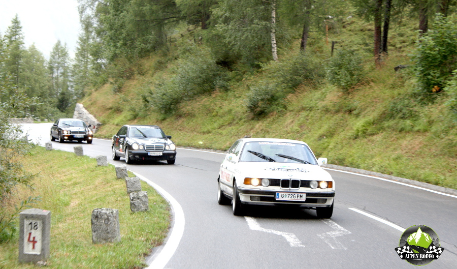 49-alpen-rodeo-2016-youngtimer-oldtimer-adventure-roadtrip-bmw-e32-mercedes-w210-jaguar-xj300-suedtirol
