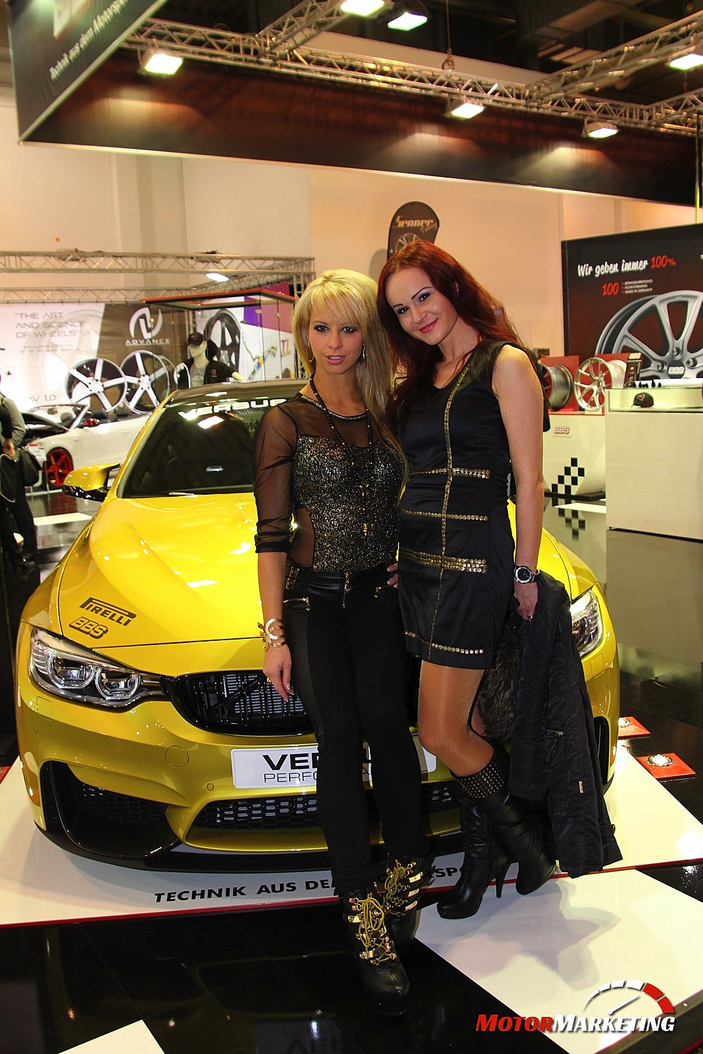essen motor show 2014 die girls cars der auto messe. Black Bedroom Furniture Sets. Home Design Ideas