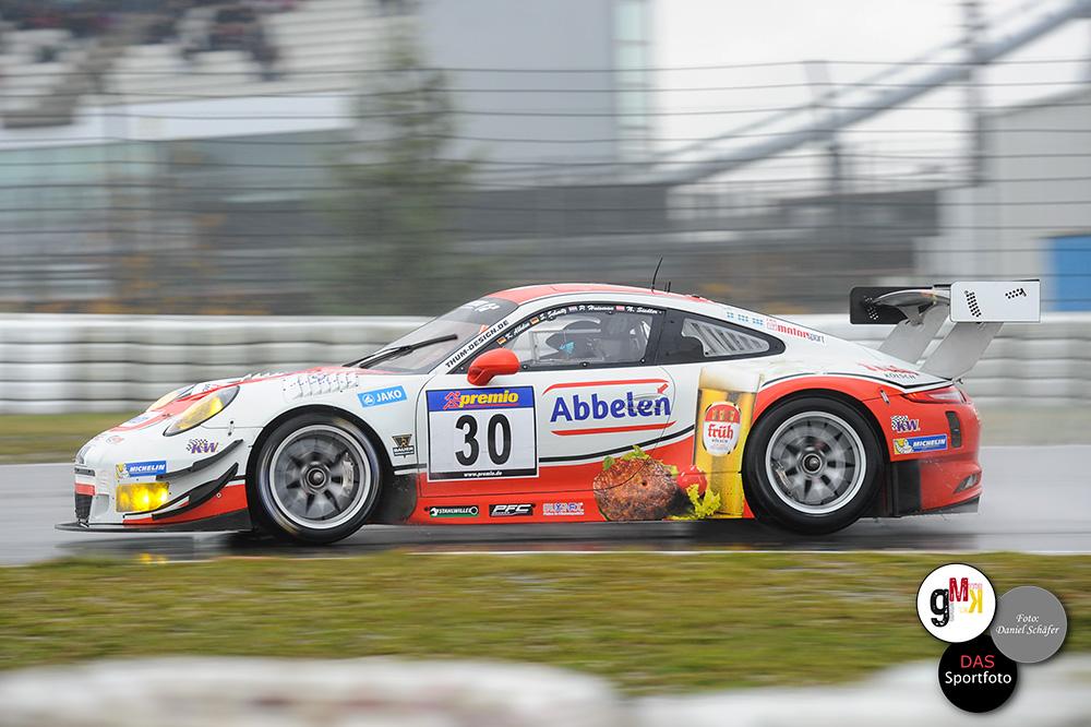 Platz sechs ging an den Porsche 911 GT3 R von Frikadelli-Racing. Foto: Daniel Schäfer