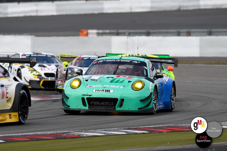 Bachler / Müller im Porsche 911 GT3 R von Falken Motorsport