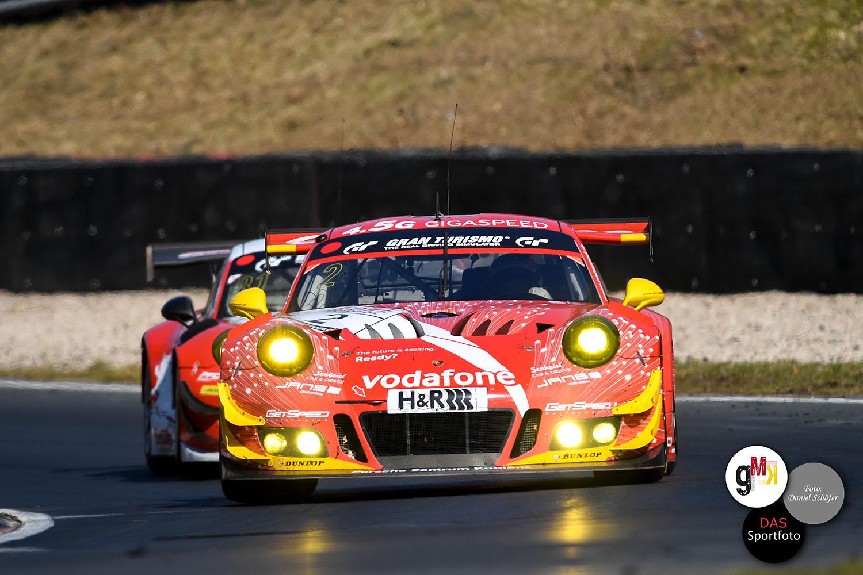 Jans / Böckmann im Porsche 911 GT3 R von GIGASPEED Team GetSpeed Performance