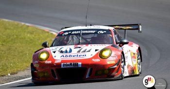 """Lance-David Arnold und Norbert Siedler feierten im Porsche 911 GT3 R beim """"Heimspiel"""" den zweiten Sieg in Folge für das Frikadelli Racing Team. Foto: Daniel Schäfer"""