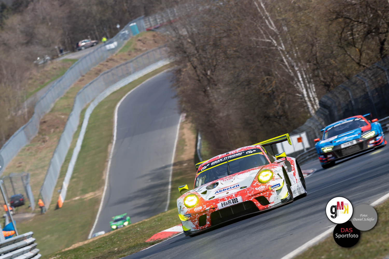 Frikadelli Porsche auf Platz 2